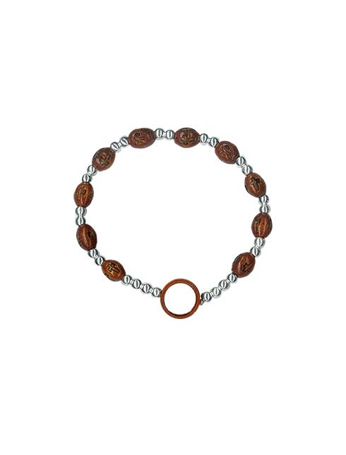Bracciale elastico con grani ovali in legno con croce intarsiata