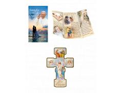 Pieghevole per la famiglia con croce effetto legno