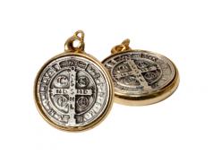 Medaglia San Benedetto con bordo dorato